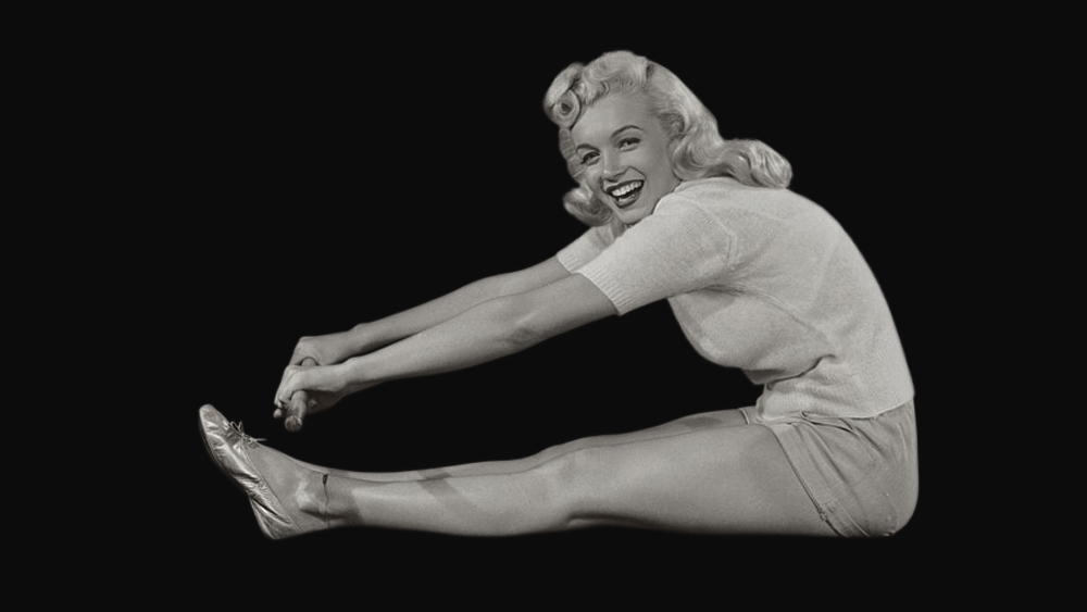 7-Vintage-Yoga-Photo-Marilyn-Monroe-circa-1948
